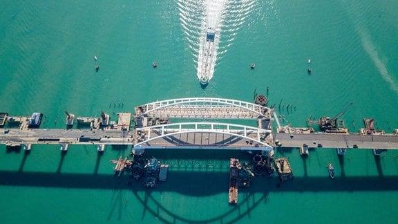 Blick auf die Krim Brücke