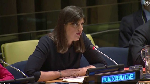 Laura Codruta Kövesi bei einer UNO-Versammlung.