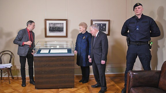 Litauischer Historiker Liudas Mažylis, Dalia Grybauskaitė, Politiker Vytautas Landsbergis
