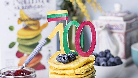 Zum 100-Jubiläum Pfannekuchen in litauischen Farben