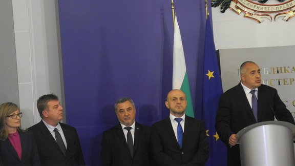 Karakatschanov und Vize-Ministerpräsident Valeri Simeonov beim Amtsantritt des Kabinetts Borissov III am 04. Mai 2017