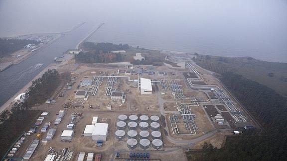 Luftbild von einer Ölraffinerie