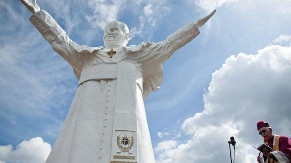 Enthüllung der Statue von Johannes Paul II. in Czestochowa.