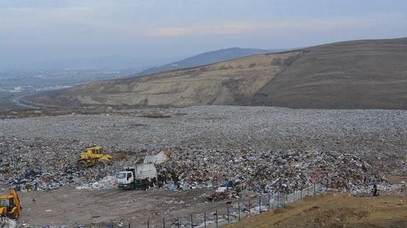 Das Gelände von Pata Rat am Stadtrand von Cluj-Napoca (Rumänien) wird seit den 1970er-Jahren für Abfall genutzt.
