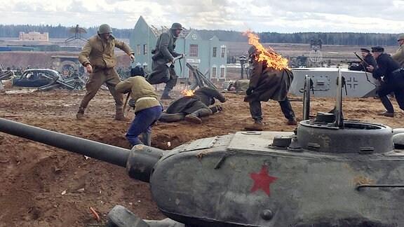 Soldaten im Patriotischer Park bei Moskau.