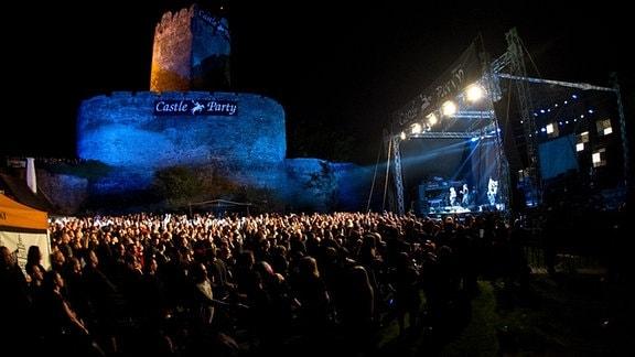 Konzert vor einer Burg