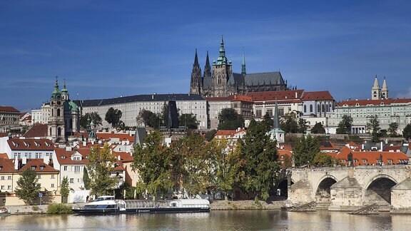 Die Karlsbrücke mit Prager Burg und Veitsdom