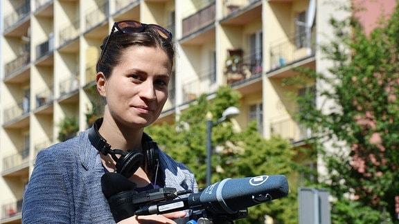 Ostbloggerin Anja Datan bei Dreharbeiten.