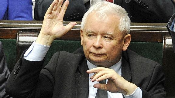 Der Vorsitzende der polnischen Regierungspartei Recht und Gerechtigkeit (PiS), Jaroslaw Kaczynski im polnischen Parlament in Warschau