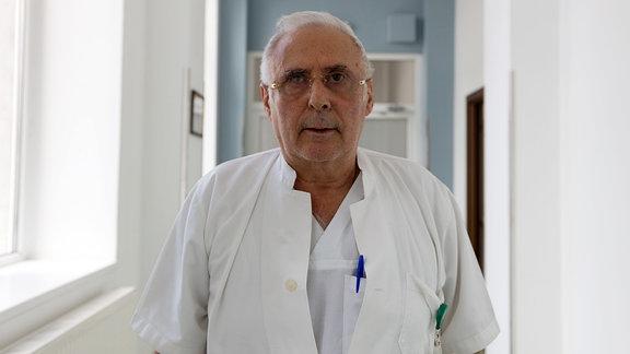 Der Bukarester Gynäkologe Bogdan Marinescu.