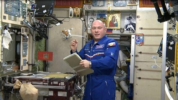 Astronaut Oleg Artemjew