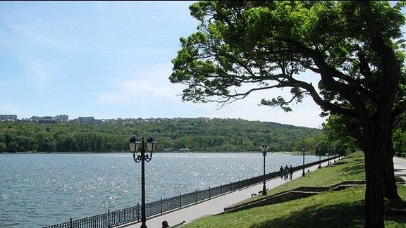 Fluss in Tiraspol (Dnjestr)