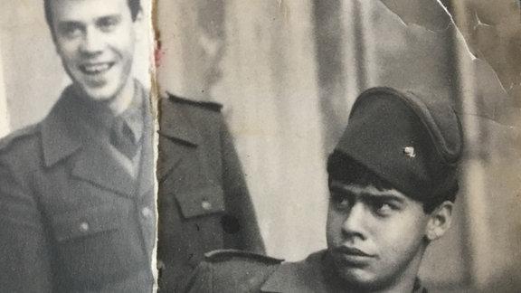 Zwei Soldaten der Jugoslawischen Volksarmee 1985