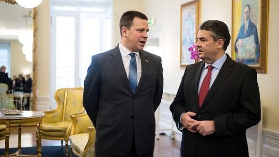 Treffen von Außenminister Sigmar Gabriel mit estnischen Premier Jüri Ratas in Tallinn, am 1. März 2017.