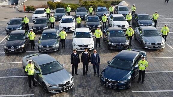 Übergabe von Skoda Superb-Modellen am Skoda-Standort Mlada Boleslav als Zivilfahrzeuge für die tschechische Polizei am 23. Januar 2018