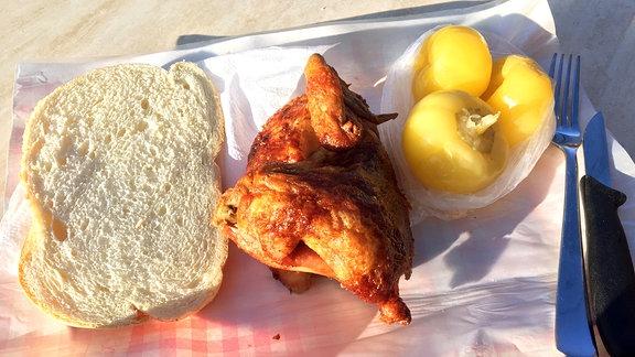 Brot, Grillhähnchen, Apfelpaprika