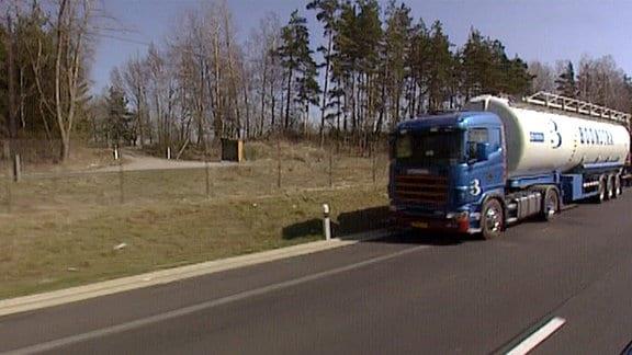 LKW auf einer Straße