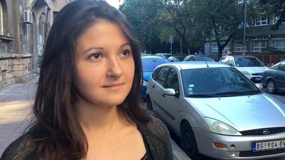 Junge Frau in Belgrad
