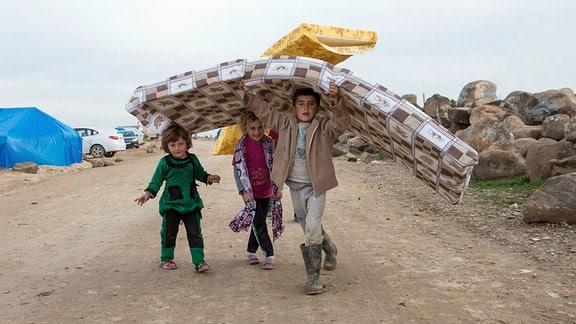 Flüchtlingscamp in der syrischen Provinz Cizire. Ein Großteil der Kinder hier sind Waisen. Bild stammt vom 18. Dezember 2014.