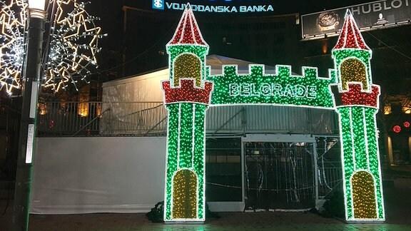 Weihnachtsbeleuchtung in Belgrad, Serbien.