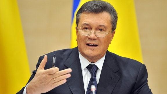 Wiktor Janukowytsch, 2014 auf einer Pressekonferenz