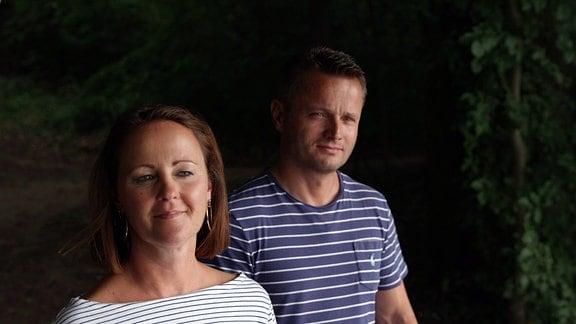 Nadine und Falk Wegener gemeinsam an einem See