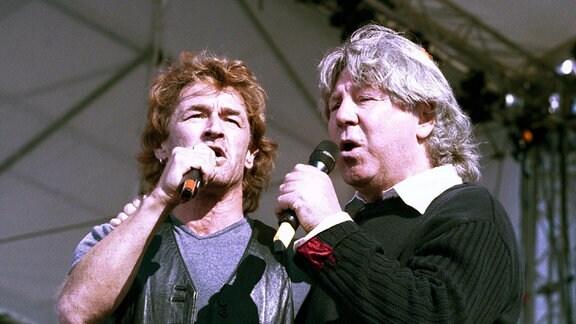 Peter Maffay (li., ROM) und Herbert Dreilich (Karat/GER) im Duett
