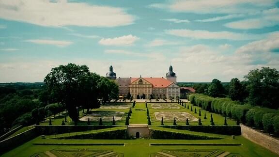 Ansicht eines Schlosses mit Schlossanlage