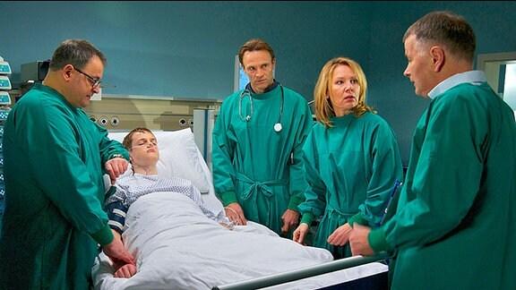 Ärzte am Krankenbett