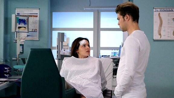 Kris Haas (Jascha Rust) wird durch Sanna Lichtenhagen (Diane Willems) immer wieder an seinen ehemaligen verstorbenen Freund und Patienten Nick erinnert. Doch Sanna wird das zu viel und sie macht Kris klar, dass sie nicht Nick ist und auch nicht vorhat ihr Leben zu beenden.