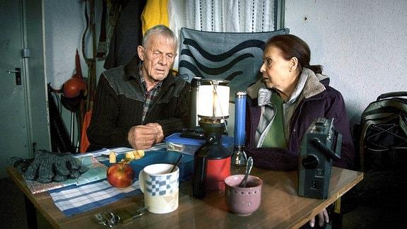 Otto Stein (Rolf Becker) und seine Frau Charlotte (Ursula Karusseit)