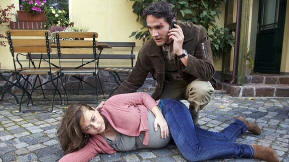 Michael hat seine schwangere Frau verletzt.
