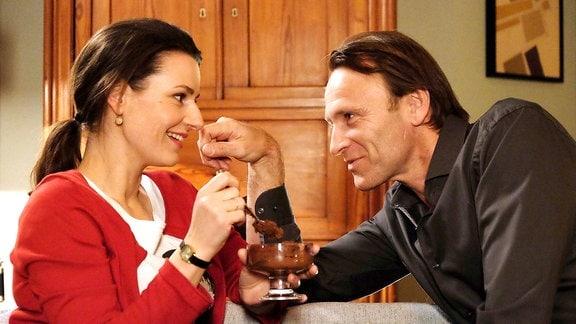 Maria Weber (Annett Renneberg) und Martin Stein (Bernhard Bettermann)