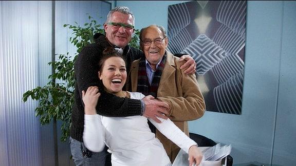 Sarah Tkotsch und Herbert Köfer und Regisseur.