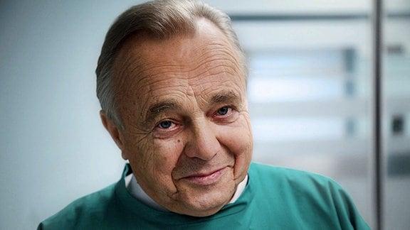 In aller Freundschaft Dieter Bellmann (Rolle Prof. Dr. Gernot Simoni).
