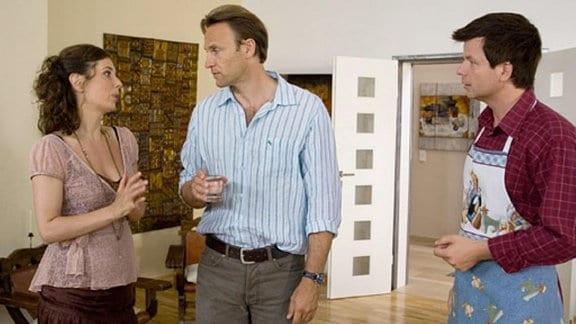Valerie informiert Martin über ihre bevorstehende Hochzeit.