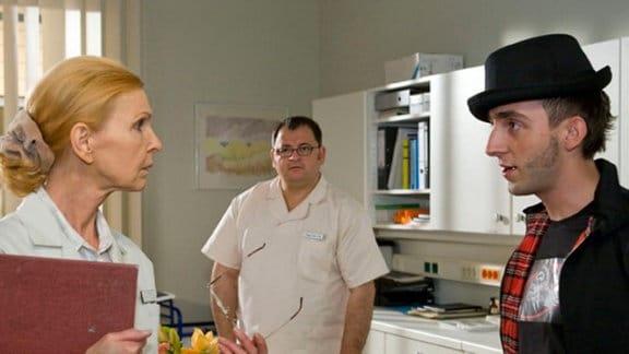 """Frank Mutzke soll sich in der Sachsenklinik """"bewähren""""."""