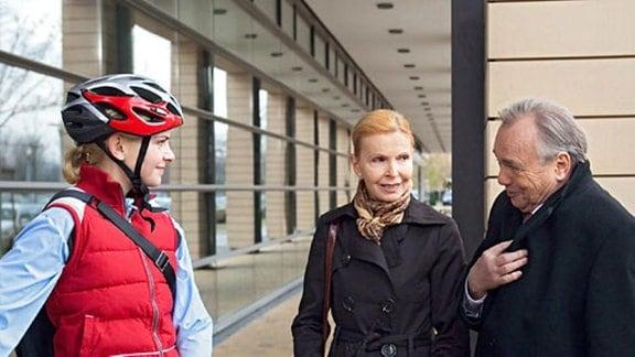 Dr. Isabel Dahl hat ein Vorstellungsgespräch in der Sachsenklinik.