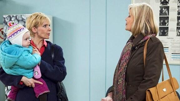 Kathrin Globisch bekommt unerwartet Besuch von ihrer Mutter.