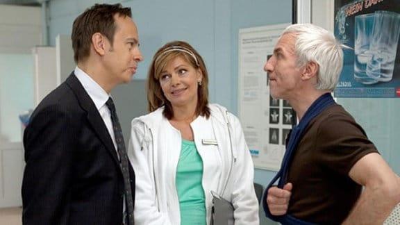 Yvonne überrumpelt Steffen, da sie Volker anbietet, ihr Gast zu sein.