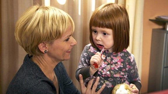 Ihre Tochter Hanna lenkt Kathrin Globisch von ihren Sorgen ab.
