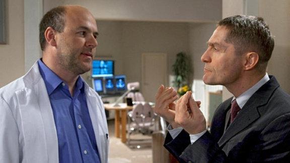 Lothar Gerdes verhandelt mit Interimschef Dr. Kaminski.