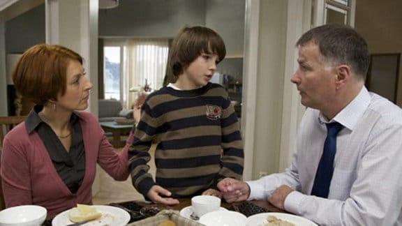 Jonas macht sich große Sorgen um seinen Freund Bastian.