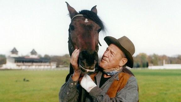 Anton (Herbert Köfer) ist der Pferdeflüsterer.