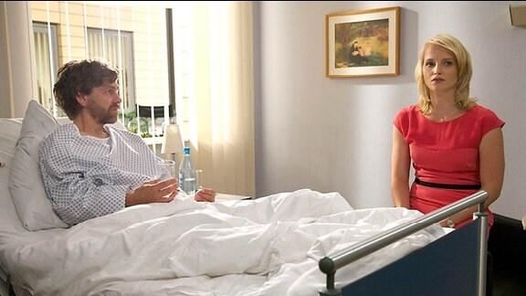 7_Arno Leisch (Andreas Nickl)und seine Frau Patrizia Schott (Anja Boche).