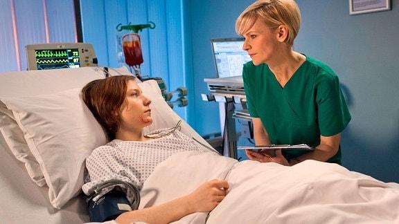 Jessika Wendels Zustand verschlechtert sich. Dr. Kathrin Globisch ist besorgt