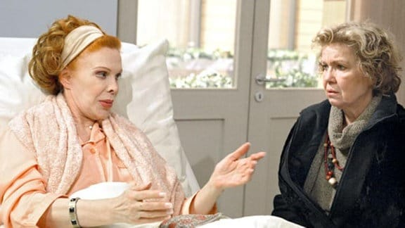 Gertrud will nicht, dass Ursula wegen eines Ticks zum Pflegefall wird.
