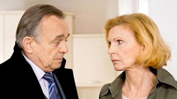 Gernot Simoni bittet wieder einmal Ingrid um Hilfe.