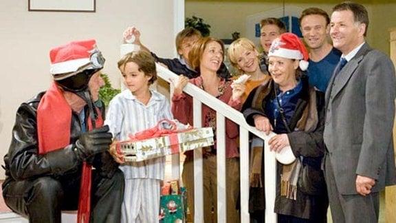 """Ottos Auftritt als """"Rocker-Weihnachtsmann"""" wird ein voller Erfolg."""