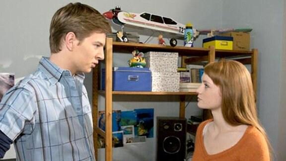 Jakob soll mit Leonie und ihren Eltern nach Spanien ziehen.
